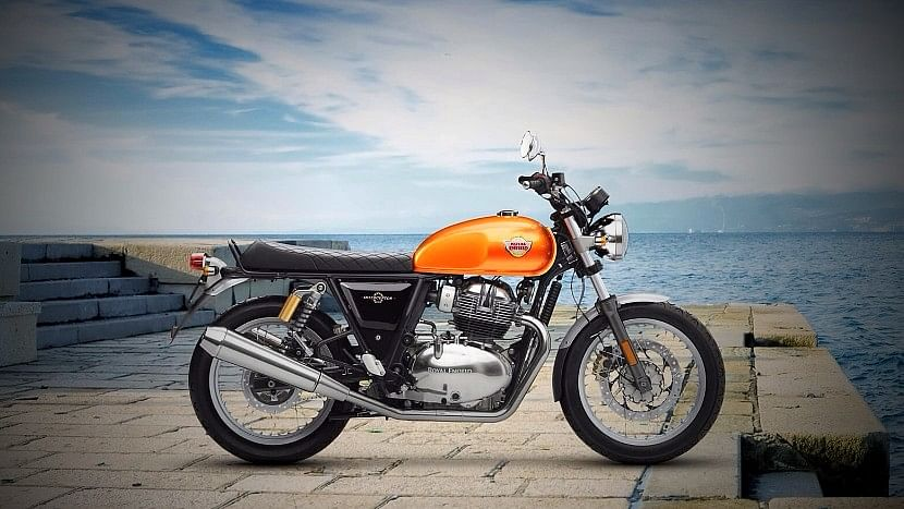 The Royal Enfield Interceptor INT 650 has classic cruiser styling from the 1960s.
