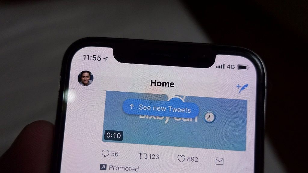 How the Notch shows up when Twitter is used on iPhone X.