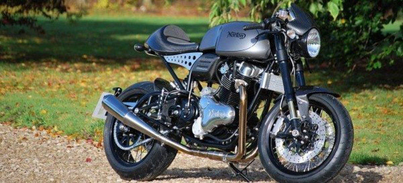The Norton Dominator is a 961 cc, air-cooled, parallel-twin cafe racer.