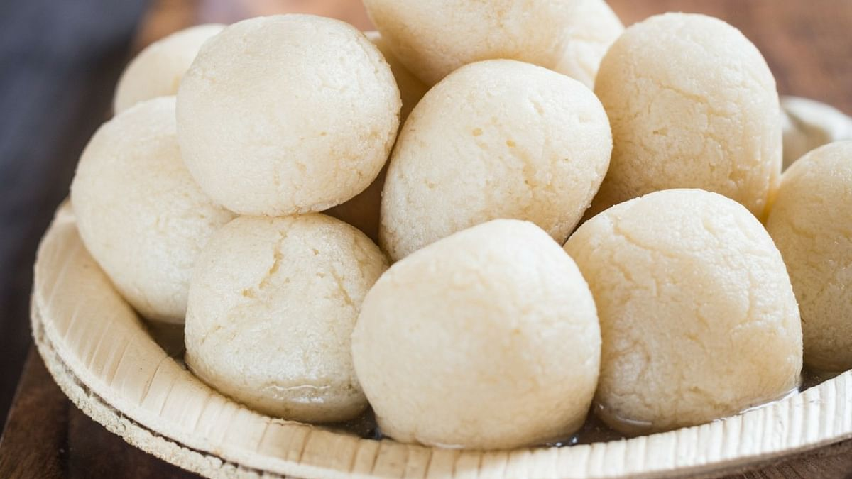 Rasgulla, a Bengali sweet made with chhena.