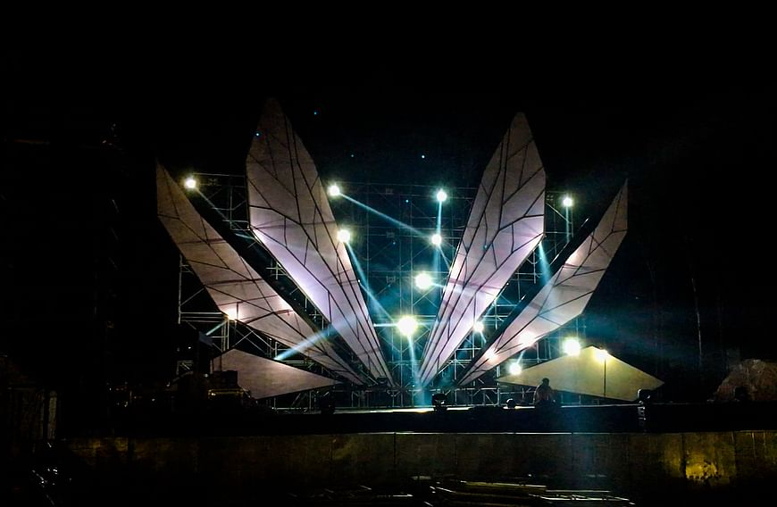 One of the two main stages was a homage to the Dragon Fly.