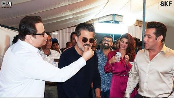 Salman receives an early birthday gift and Anil Kapoor celebrates his birthday on the sets of <i>Race 3</i>.<i></i>