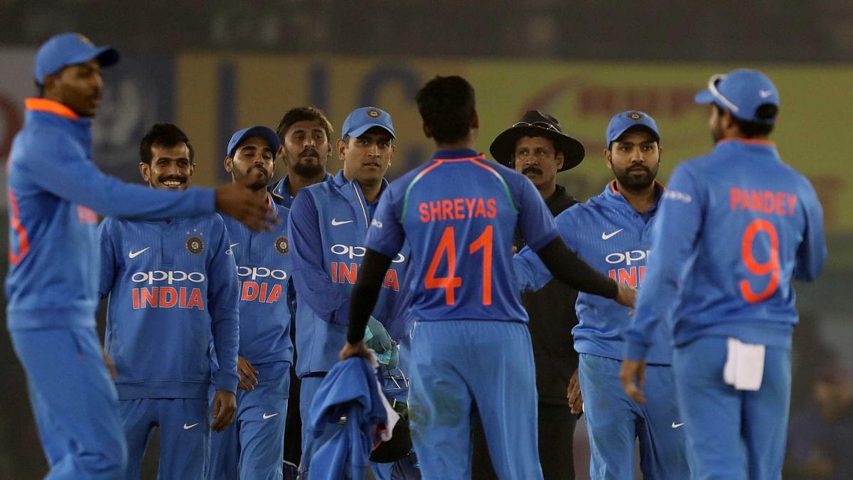 India v SL 2nd ODI Live: India Thrash Sri Lanka by 141 Runs