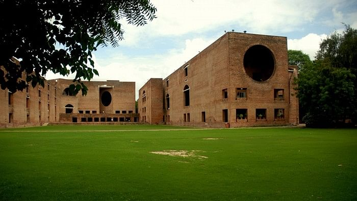IIM Ahmedabad, Calcutta Emerge As Top B-Schools In Mint Survey