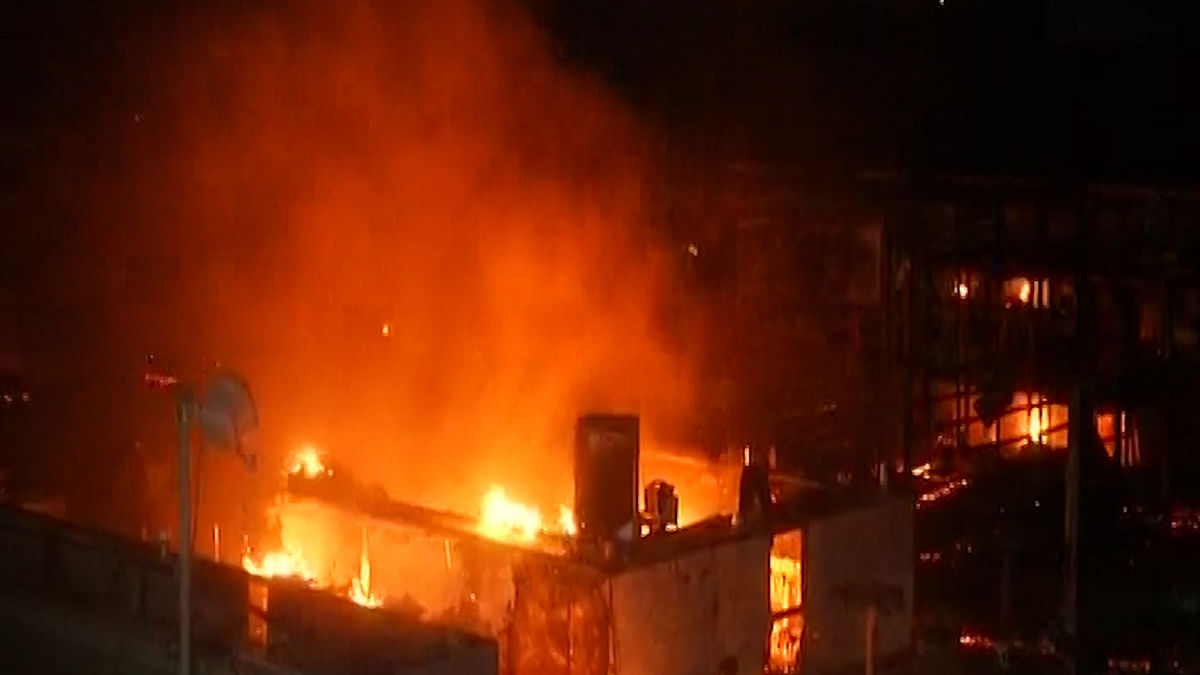The fire that broke out at Kamala Mills Compound in Mumbai.(Photo: ANI Screengrab)