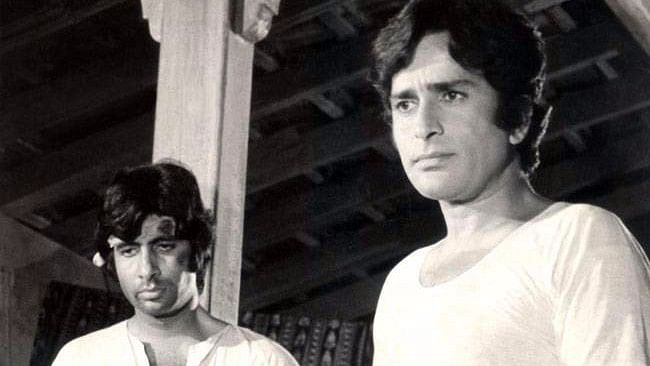 The Amitabh Bachchan-Shashi Kapoor Jodi Goes Beyond Any Deewar