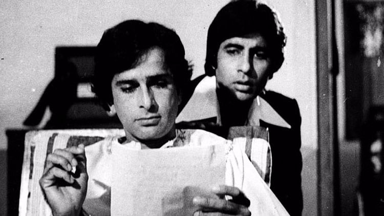 """Bachchan's Tribute to the """"Incredibly Handsome"""" Shashi Kapoor"""