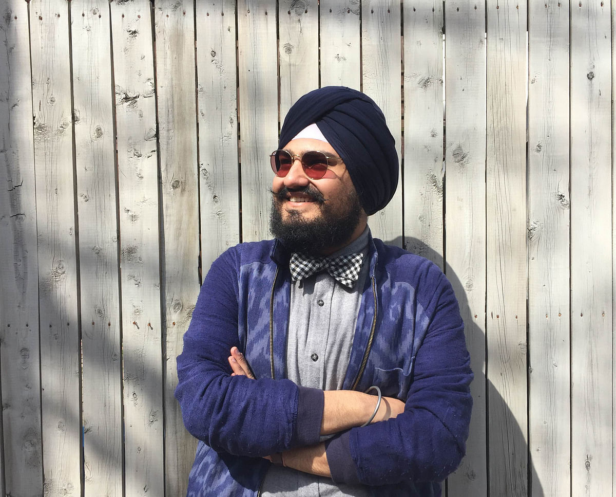 Jasjyot Singh Hans has been brought up in Delhi and now resides in Baltimore, US.