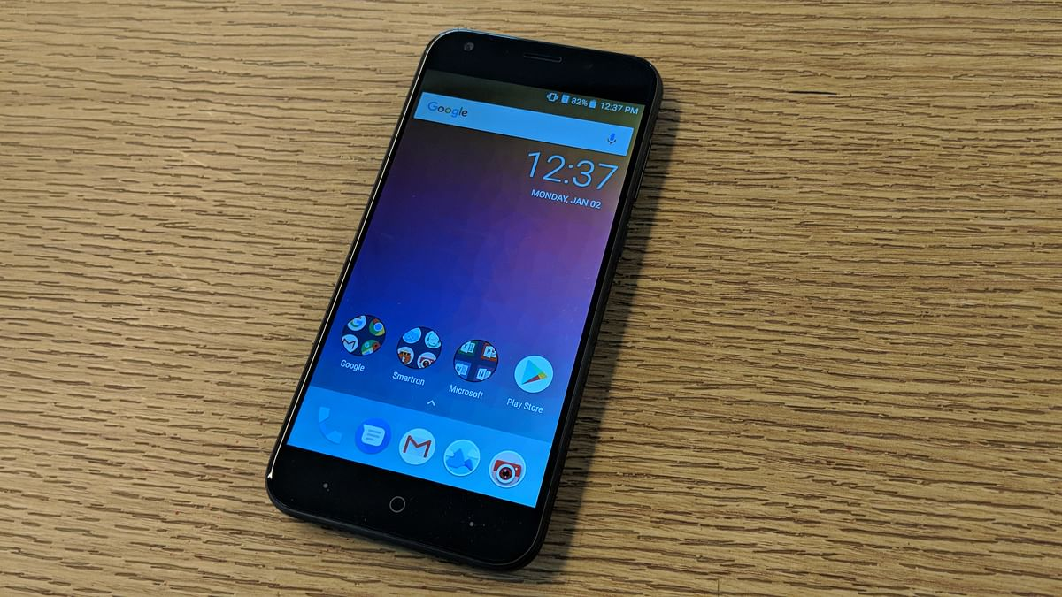 5.2-inch HD resolution screen on the t.Phone P.