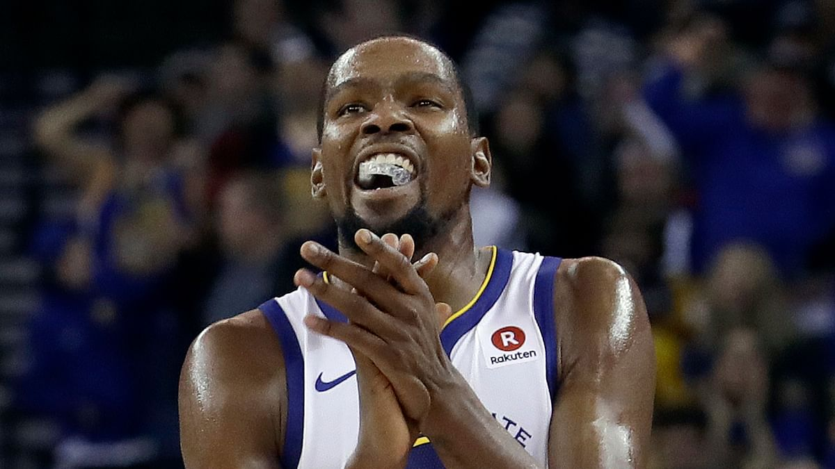 """Golden State Warriors forward Kevin Durant <span style=""""background-color: rgb(255, 255, 255); white-space: pre-wrap;"""">became the 44th player in NBA history to score 20,000 career points Wednesday night.</span>"""