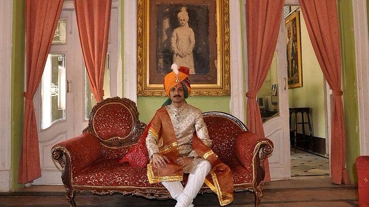 "<span style=""white-space: pre-wrap; background-color: rgb(255, 255, 255);"">Prince Manvendra Singh Gohil</span>"