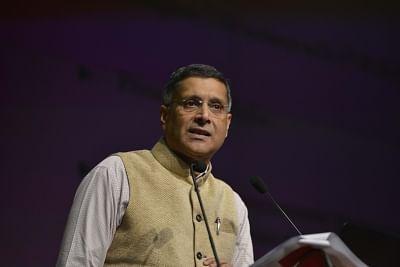 New Delhi: Chief Economic Advisor (CEA) Arvind Subramanian presents Economic Survey 2017-18 in New Delhi on Jan 29, 2018. (Photo: IANS)