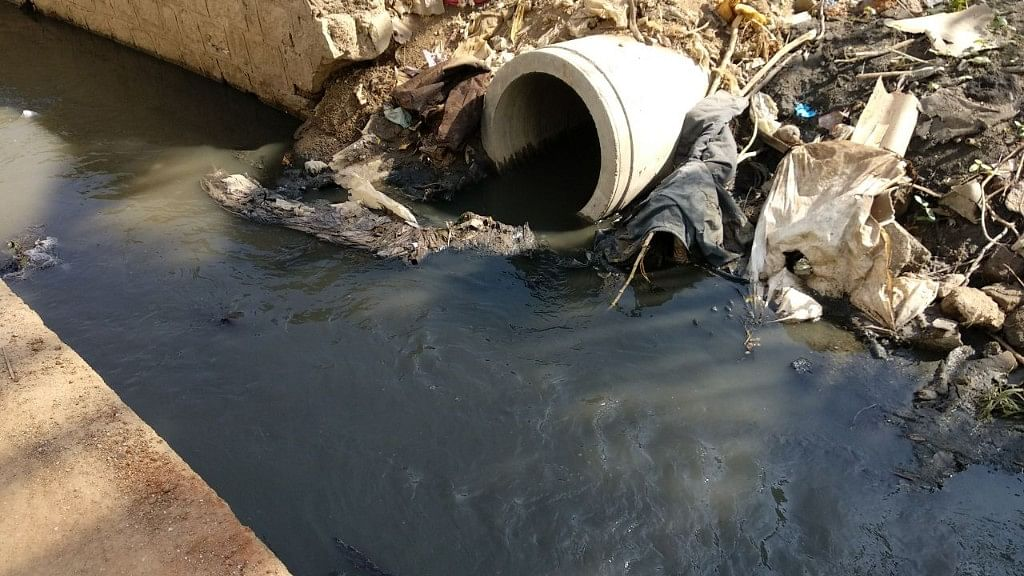 """<span style=""""white-space: pre-wrap; background-color: rgb(255, 255, 255);"""">Tanushri is not the first kid to have fallen into the drain. Many other children in the locality have slipped into it previously.</span>"""