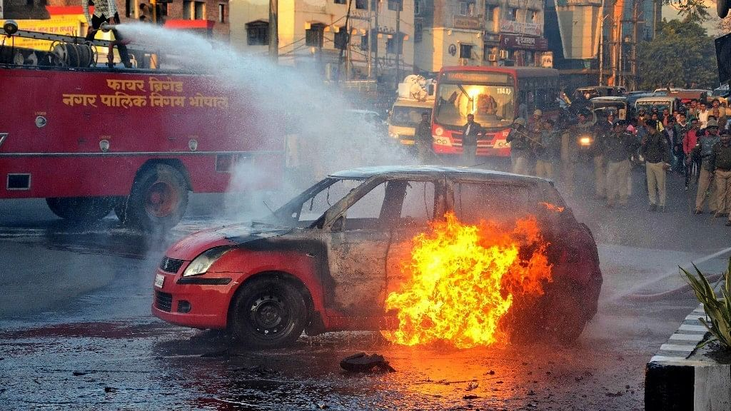 QBullet: Mobs Protesting 'Padmaavat' Run Amok; CJI Meets 4 Judges