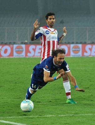 Kolkata: Players in action during an ISL match between ATK and Chennaiyin FC at Salt Lake Stadium in Kolkata, on Jan 25, 2018. (Photo: Kuntal Chakrabarty/IANS)