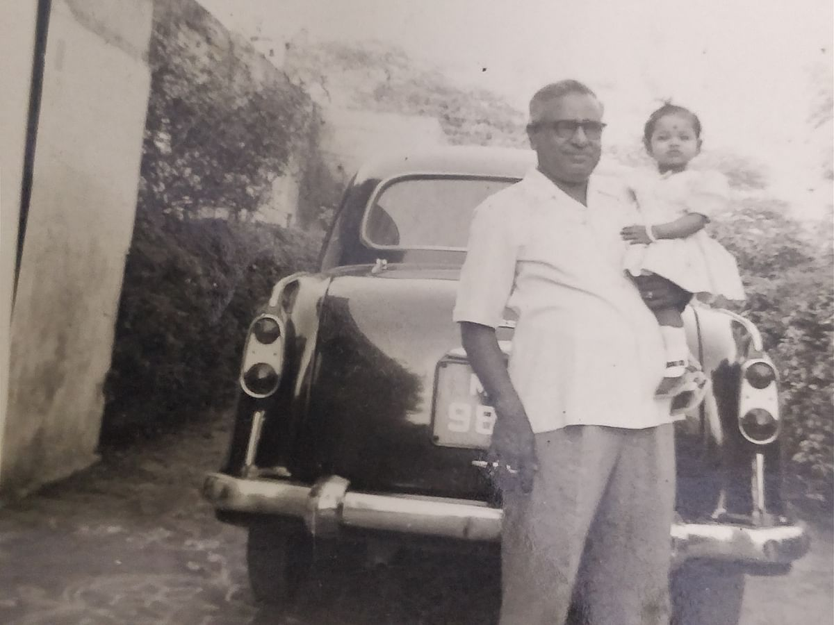 Author with Grandpa and his Ambassador – This ambassador took us on many trips to India Gate lawns for balloons and ice-lollies on regular days.