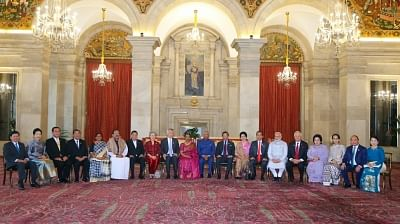 New Delhi: President Ram Nath Kovind, Vice President M. Venkaiah Naidu and Prime Minister Narendra Modi with ASEAN Heads of State/Government at Rashtrapati Bhawan in New Delhi on Jan 25, 2018. (Photo: IANS/MEA)