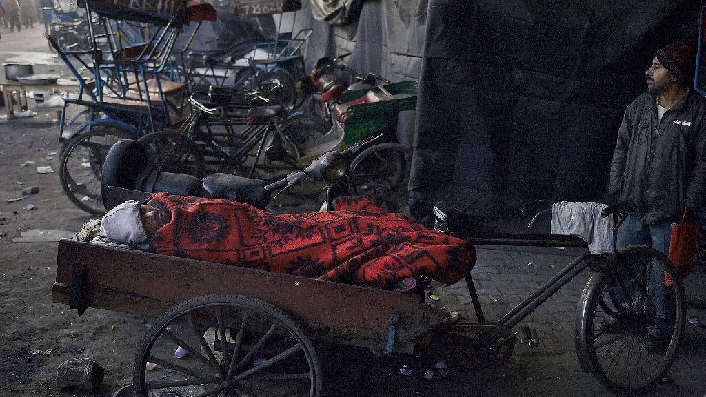 Kejriwal & BJP Spar Over Reports of 44 Cold Wave Deaths in Delhi