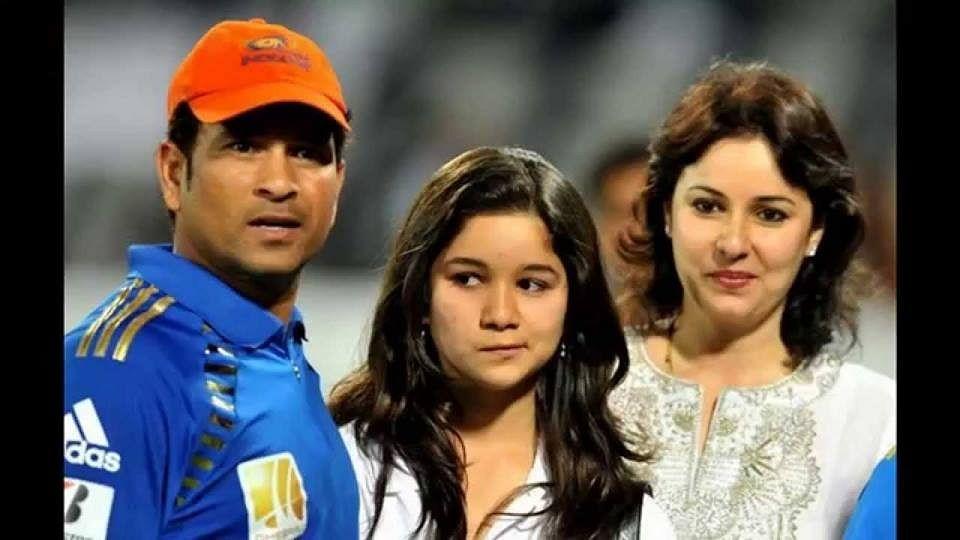 Sara Tendulkar with her parents, Sachin and Anjali Tendulkar.