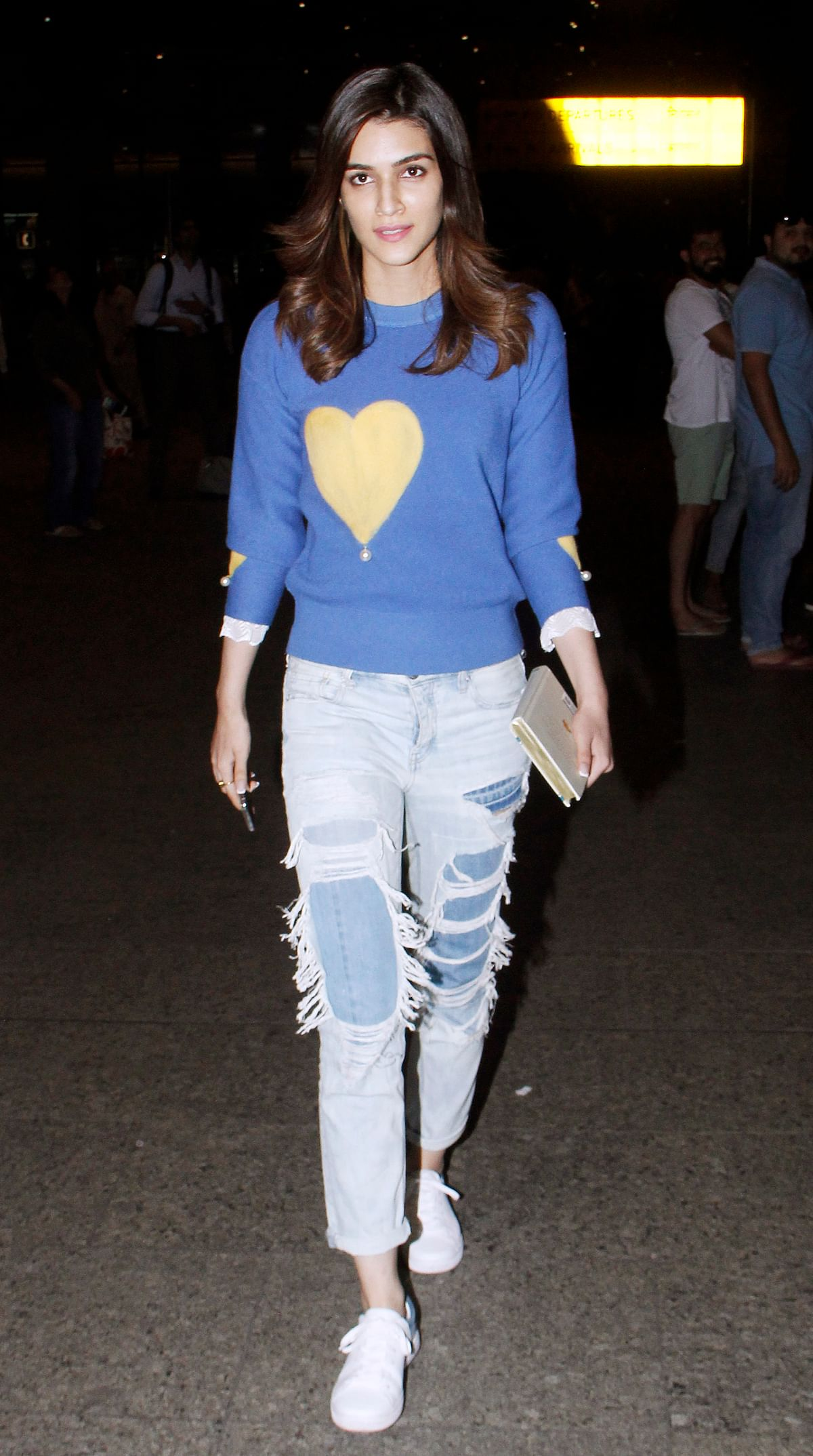 Kriti Sanon in her airport look.