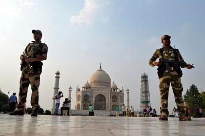 SC seeks plan to protect Taj Mahal from UP