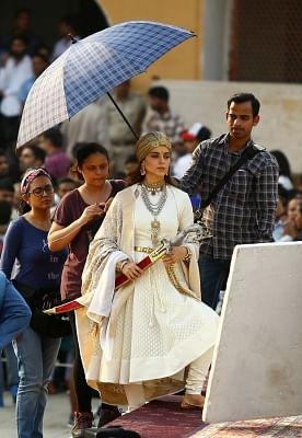 "Actress Kangana Ranaut during shooting of her upcoming film ""Manikarnika: The Queen of Jhansi"" at Amber Fort in Jaipur. (Photo: Ravi Shankar Vyas/IANS)"