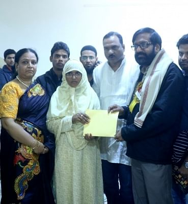Sahitya Akademi Award winner Malayalam novelist and short story writer KP Ramanunni contributes his award prize money to Mother of teenager Junaid Khan, who was stabbed to death in a Mathura-bound train.