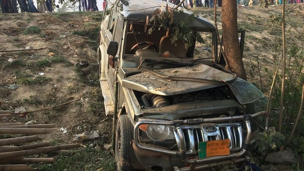 A Mahindra Bolero that lost control and rammed into a government school building crushing 9 kids to death in Muzaffarpur of Bihar on 24 February, 2018.