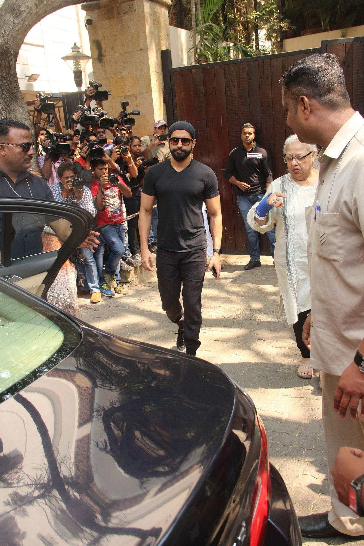 Farhan Akhtar pays a visit to Kapoor family with mother Honey Irani.