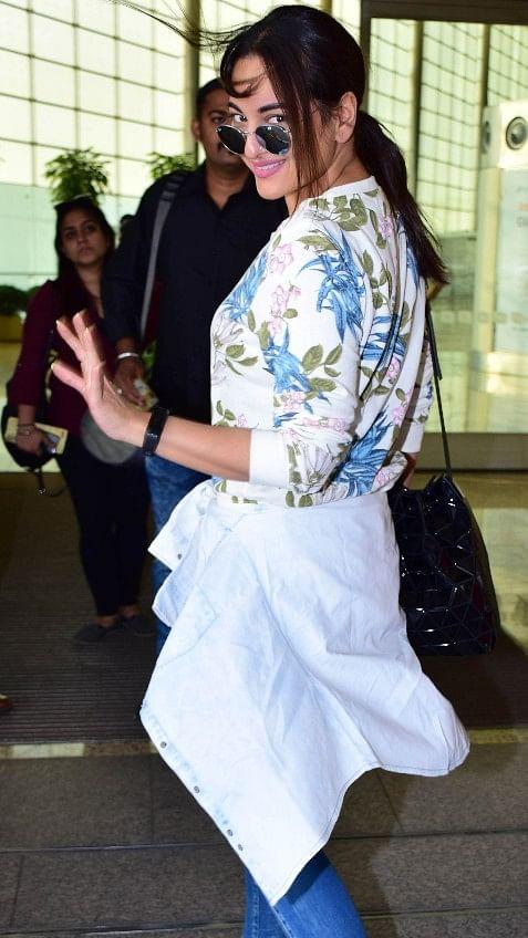Sonakshi Sinha at the airport.