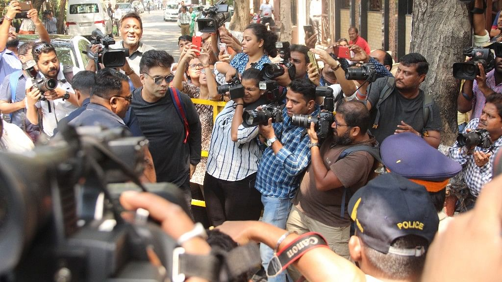 Karan Johar also came to support the Kapoor family.