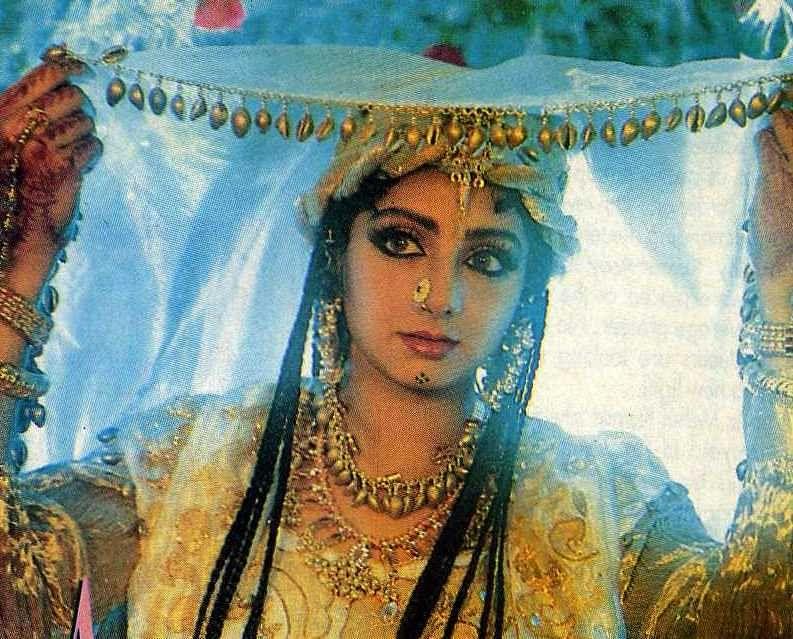 <i>In Khuda Gawah</i> (1992) Sridevi played the character of Benazir and weaved magic as she romanced Amitabh Bachchan.