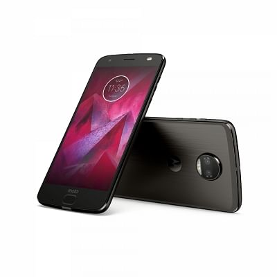 """Moto Z2 Force smartphone bundled with a Moto """"TurboPower mod pack"""" in India for Rs 34,999."""