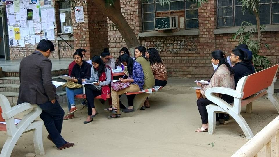 Classes in JNU being conducted outside the classroom