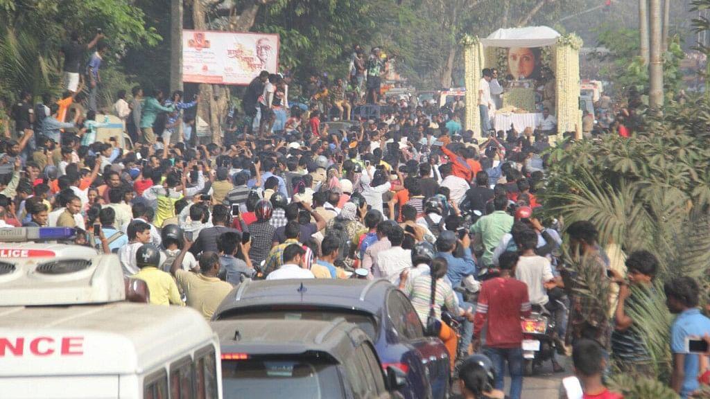 Fans bid Sridevi good-bye.