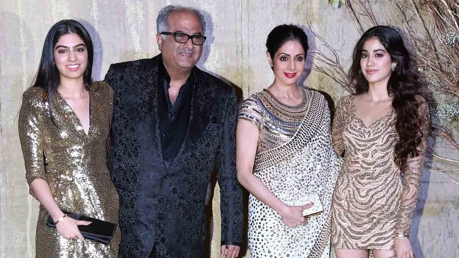 Sridevi with Boney Kapoor and daughters Jhanvi (extreme right) and Khushi.