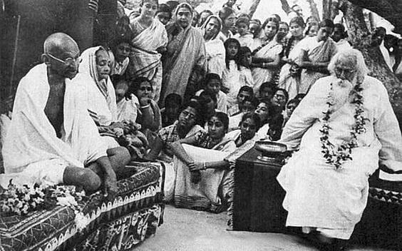 Kasturba with Mahatma Gandhi and Rabindranath Tagore