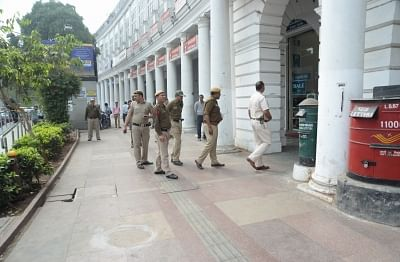 New Delhi: Police carry out investigations at the spot where a man was allegedly shot at in Delhi