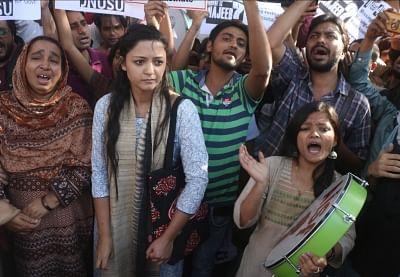 New Delhi: JNU students including Former JNUSU Vice President Shehla Rashid Shora stage a demonstration outside CBI headquarters in New Delhi on Feb 26, 2018. (Photo: IANS)