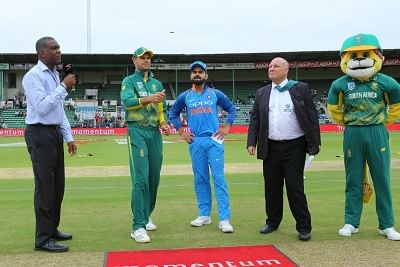 Port Elizabeth: Indian skipper Virat Kohli and South Africa skipper Aiden Markram at the toss during the 5th ODI between India and South Africa at the St George