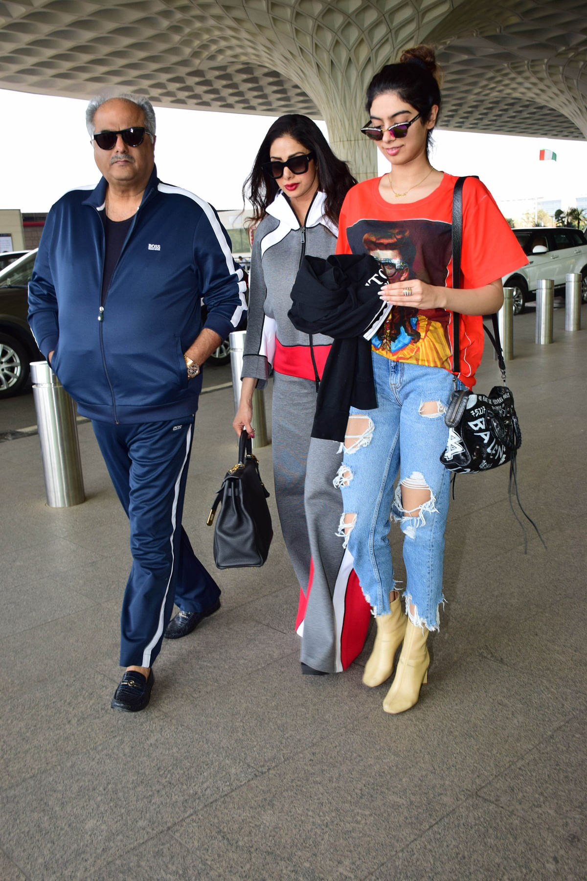 Boney Kapoor, Sridevi and daughter Khushi at the Mumbai airport while leaving for Mohit Marwah's wedding.