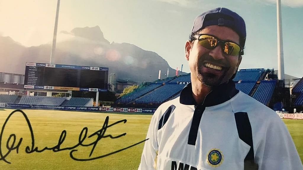 Here's What Sachin Did for an Elderly Fan Waiting for an Autograph