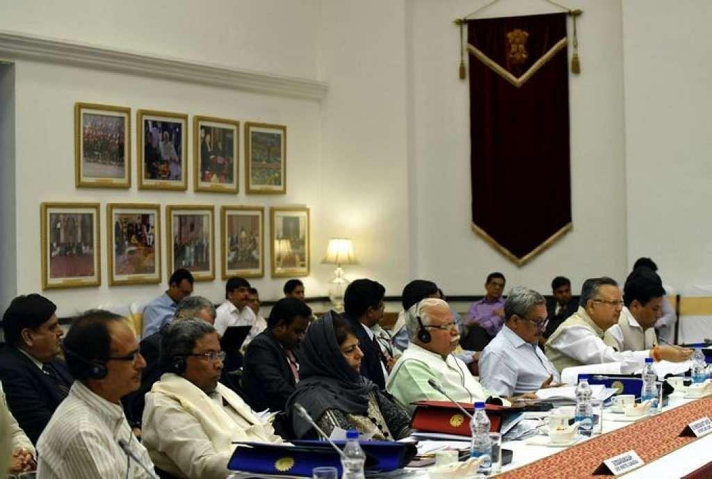 The chief ministers of Madhya Pradesh, Karnataka, J&K, Chhattisgarh, Goa, and Assam, at the NITI Aayog Governing Council meeting, in New Delhi, on 23 April 2017.