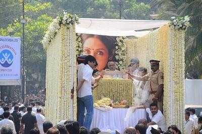 Mumbai: Producer Boney Kapoor accompany the body of late actress Sridevi to the Vile Parle Seva Samaj Crematorium and Hindu Cemetery for cremation in Mumbai on Feb 28, 2018. (Photo: IANS)