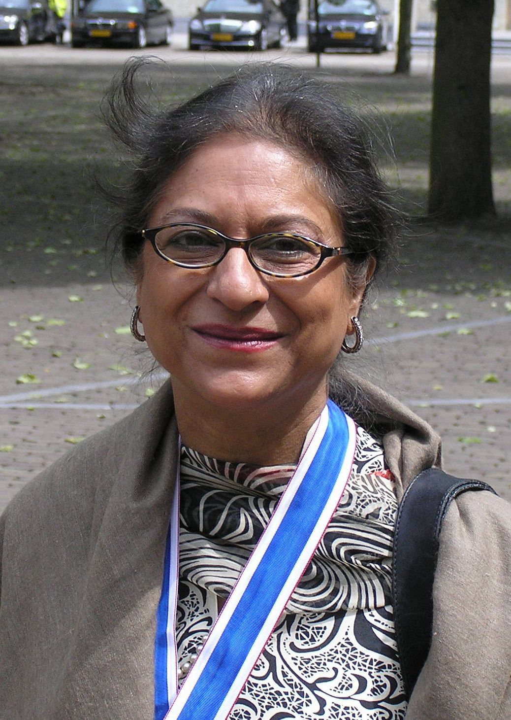 Pakistani human rights lawyer and social activist Asma Jahangir died in Lahore, on Sunday, 11 February, of cardiac arrest.