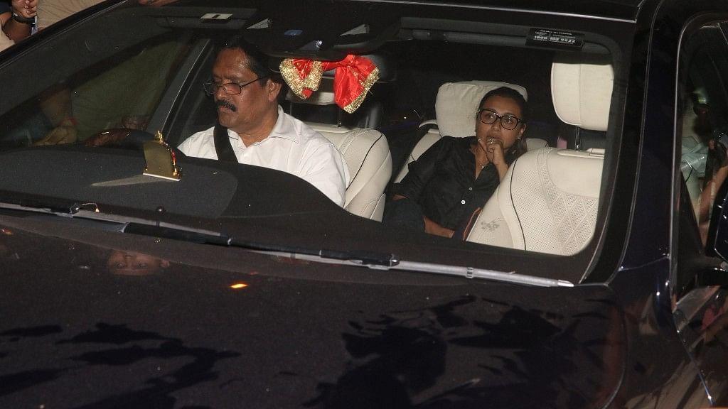 Rani Mukherji arrives to offer her prayers at Anil Kapoor's house.