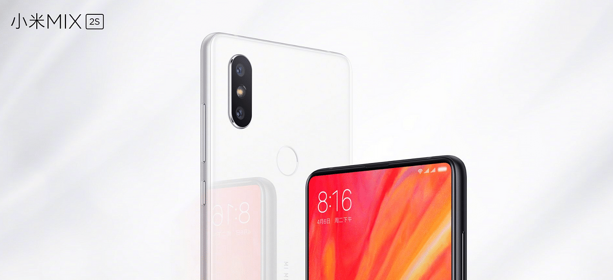 Dual cameras at the back on the Mi Mix 2S.