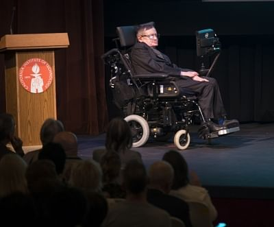 BEIJING, March 14, 2018 (Xinhua) -- File photo taken on April 16, 2013 shows British physicist Stephen Hawking attending an activity at California Institute of Technology, the United States. Renowned British physicist Stephen Hawking has died at age 76, a family spokesman said on March 14, 2018. The professor died peacefully in his sleep at his home in Cambridge, the spokesman said. (Xinhua/Yang Lei/IANS)