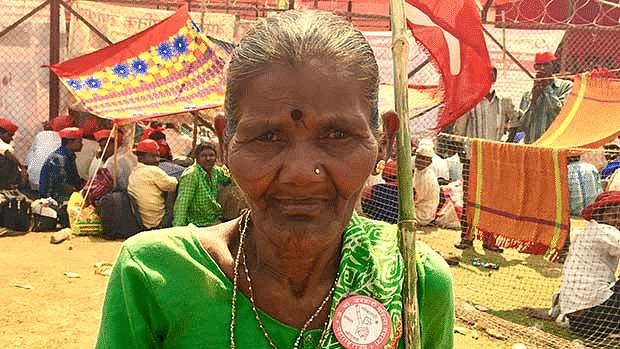 Kamli Babu (85), a tribal farmer from Dahanu in Palghar district, at Mumbai's Azad Maidan on 13 March.