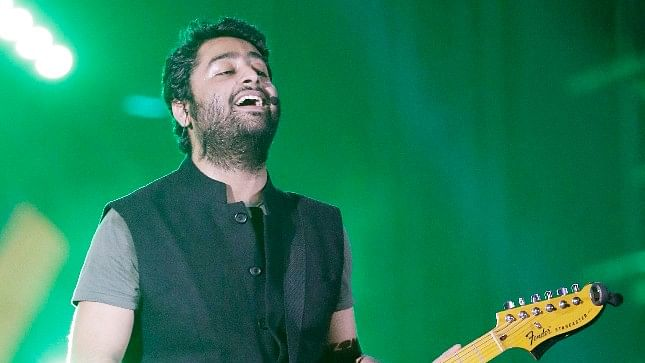 Arijit Singh Floored the Audience With Salman's 'Dil Diya Gallan'